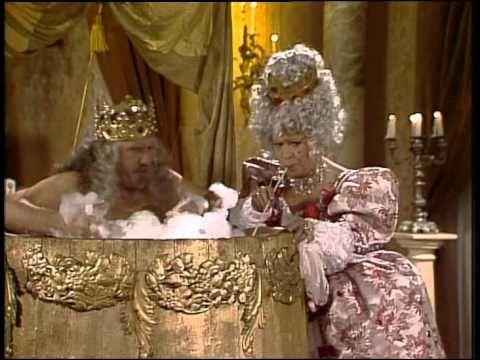 Ať přiletí čáp, královno!