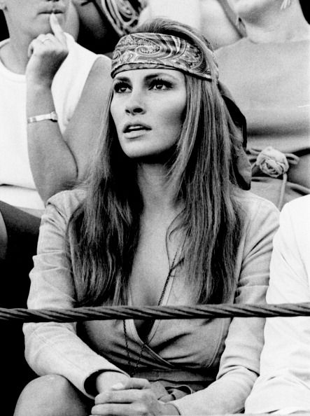 #enjoythekiss  Raquel Welch - via renee townsend