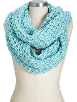 @Donna Maywald Navy chunky infinity scarf is endlessly versatile. Save 5 dollars off 25 dollars this weekend at Old Navy!