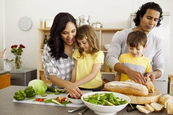 Cómo alimentar de manera saludable a tus hijos