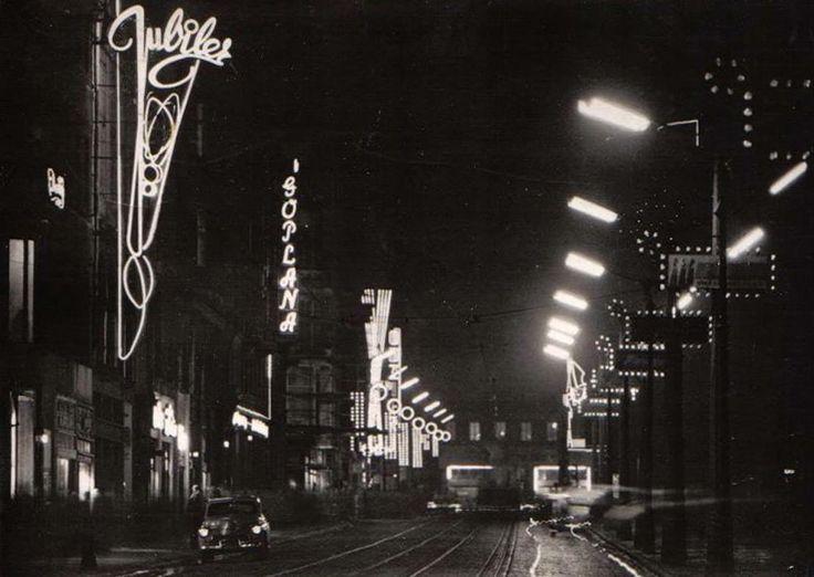 tak właśnie wyglądała ulica 27 Grudnia w 1962 roku.