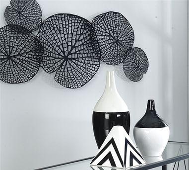Metal lotus leaf wall decor in black