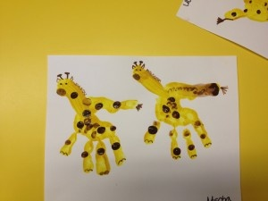 giraffe hand print craft