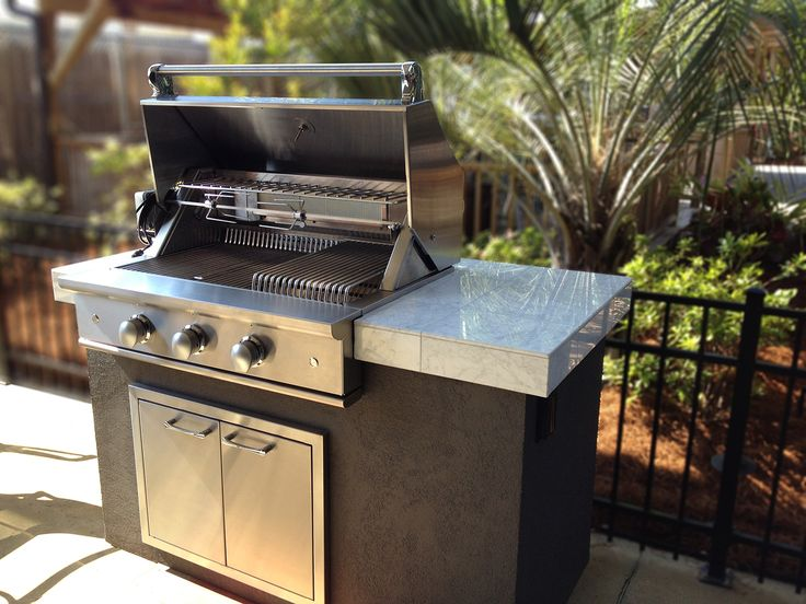 The Caliber Crossflame Silver was designed to fit into existing outdoor island cut outs. Conquer the Backyard with a True American Luxury