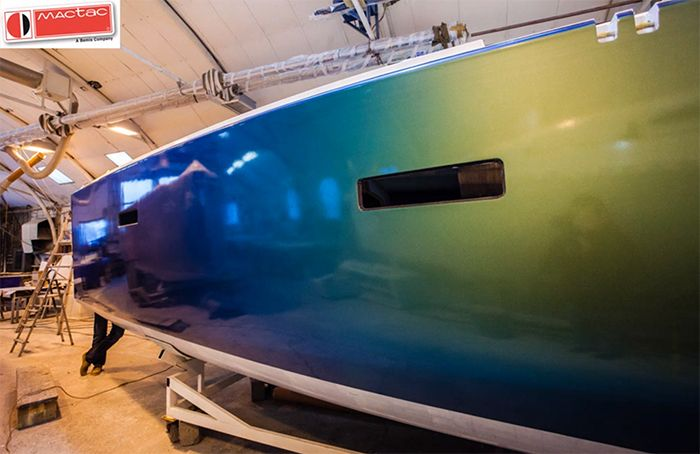 Tuningfilm Iridescent Blue Green Color Changing Boat Wrap