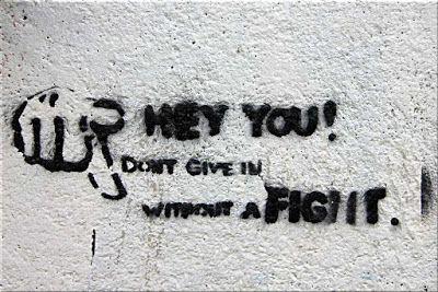 Scrivere Vivere di Grazia Gironella: Don't give in without a fight