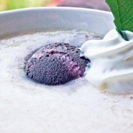 Őszibarack-krémleves szederfagylalttal