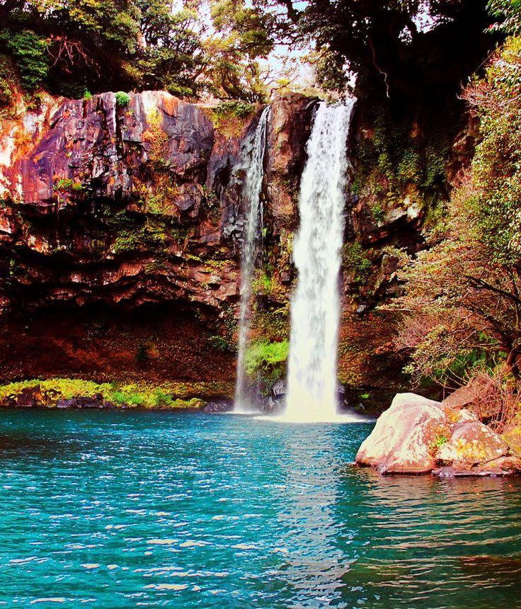 Cheonjiyeon Waterfall,Jeju Island, South Korea