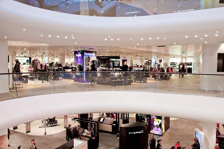 """Das beliebte Traditionskaufhaus """"Gerngross"""" auf Wiens größter Shoppingmeile lädt in einzigartigem Ambiente und hochwertiger Architektur zum Wohlfühlshopping ein. Hintergrundmusik von PROMOtainment machen das Shopping in Wiens Traditionskaufhaus zum einzigartigen Erlebnis."""