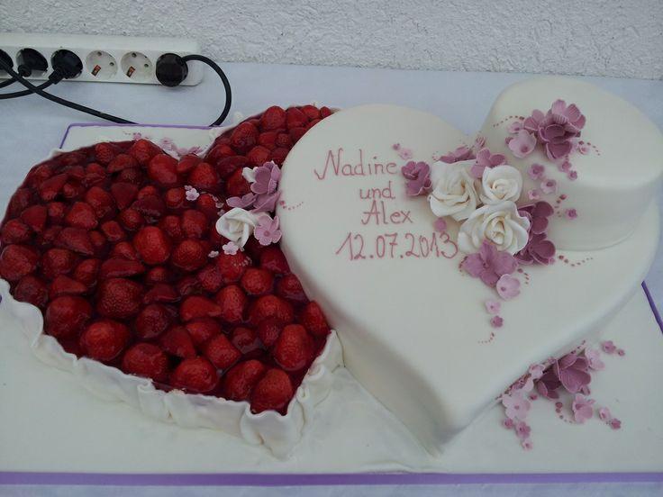 Doppelherz Hochzeitstorte. www.thetinycakebo…