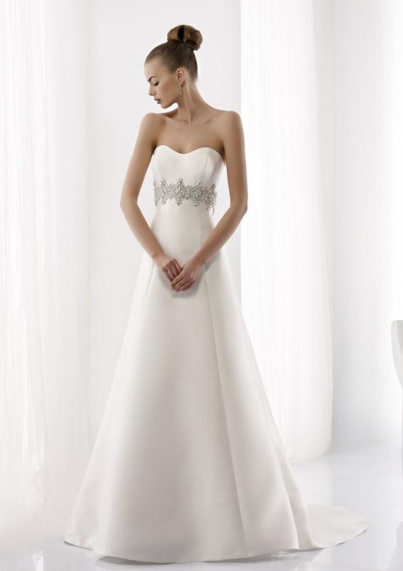 Collezione abiti da sposa #Jolies, abito da #sposa modello JOAB13017IV