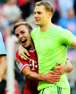 Mario Götze holding on to Manuel Neuer after FCB's 4-1 win over Mainz. The look on Mario's face is priceless! How cute!