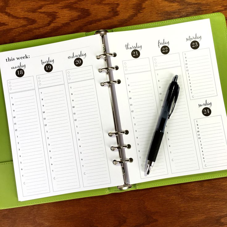 Stay on top of those crazy weeks with A5 weekly planner pages that let you see your whole week at one time. These inserts feature three lines with checkboxes at the top to track your top priorities or