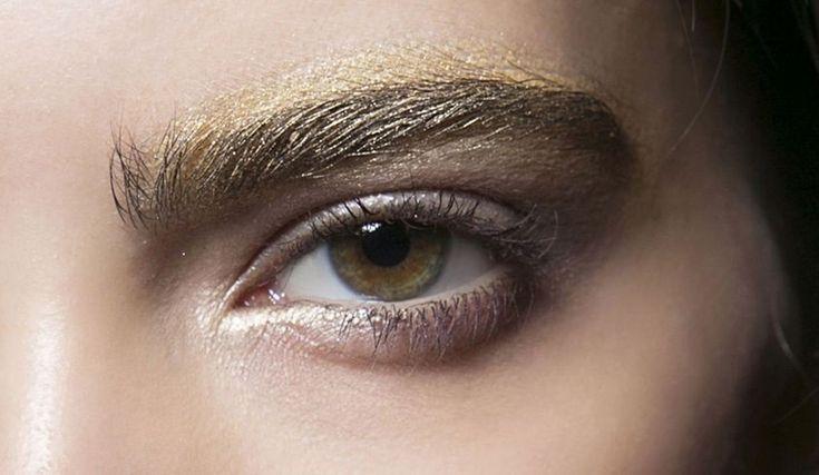 Cejas doradas, la nueva tendencia.