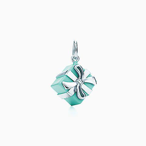 Berloque Tiffany Blue Box® em prata de lei com esmaltação Tiffany Blue.