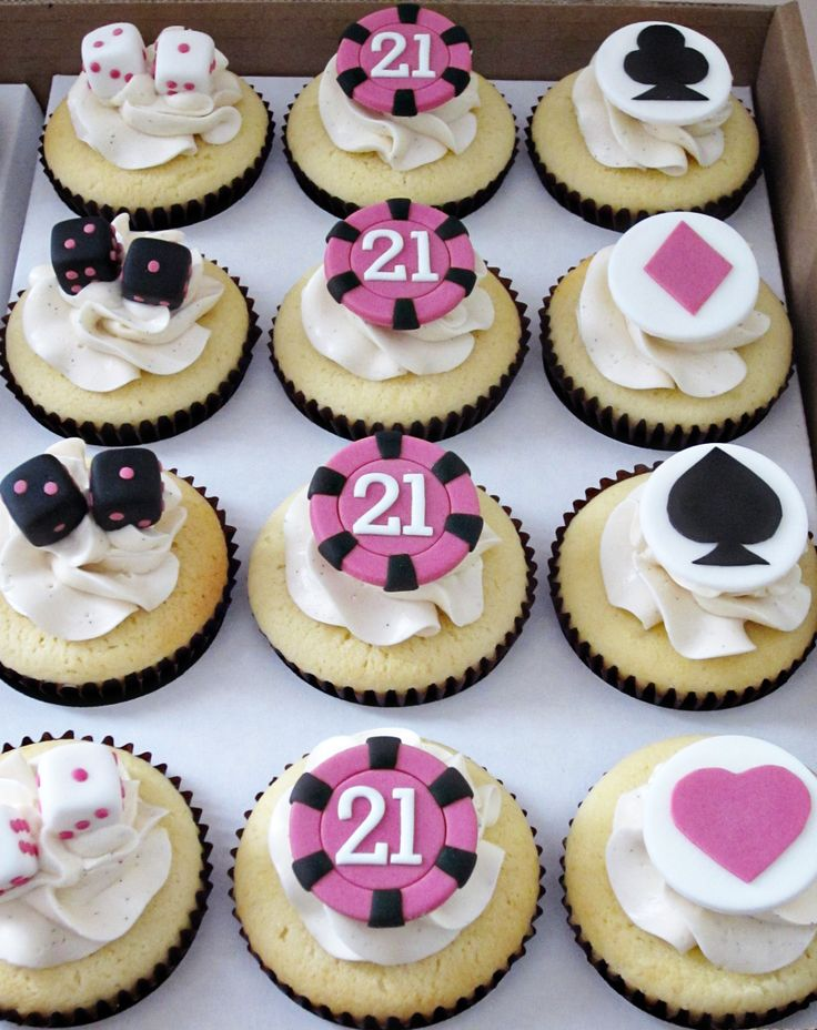 - What do you give the girl celebrating her 21st birthday in Vegas? Casino themed cupcakes! Poker chips, dice and card suits in a colour scheme that's been updated from the usual black, red and white.