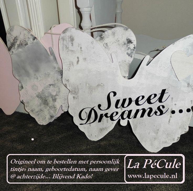 Te personaliseren met naam, geboortedatum en eventueel met @ achterkant de naam van de gever? Een blijvend (Kraam)Kado à La PéCule <3 www.lapecule.nl
