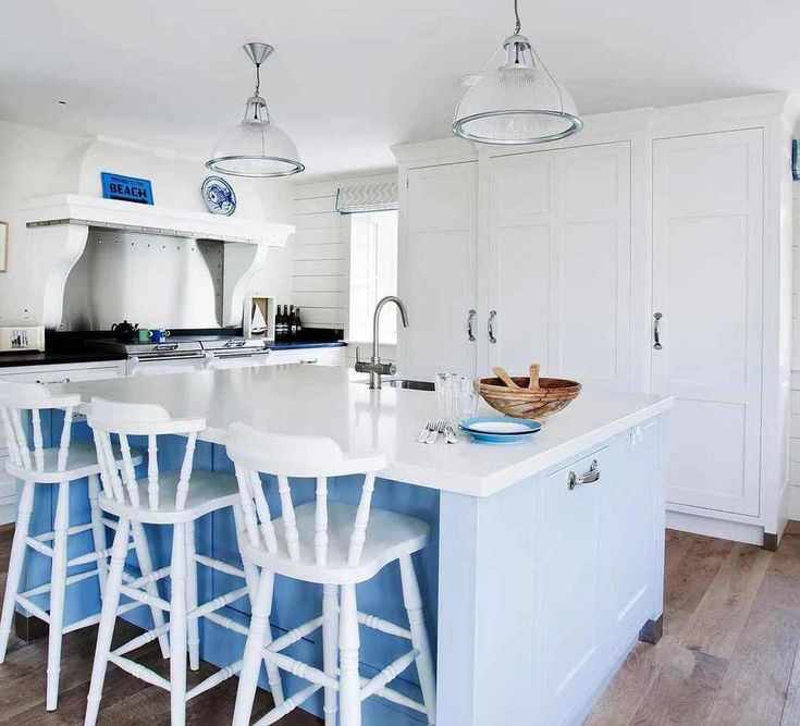 The 25 Best Nautical Kitchen Sinks Ideas On Pinterest: Best 25+ White Coastal Kitchen Ideas On Pinterest
