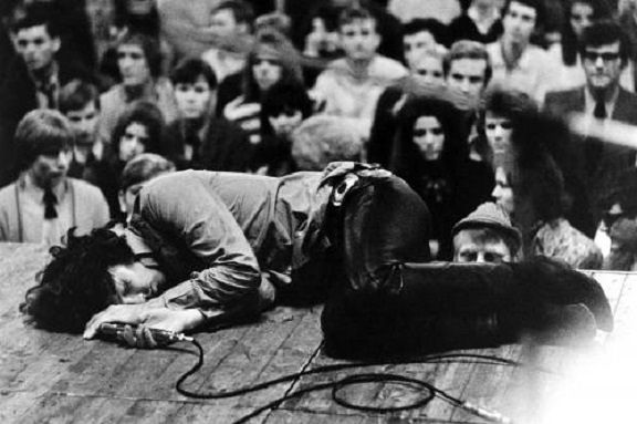 Jim Morrison sprawled on stage and holding a mic with his eyes closed - Lomography: Concerts, Jim Morrison, The Doors, Jimmorrison, Rocks Stars, Beauty People, Lizards King, Rolls, Rockstar