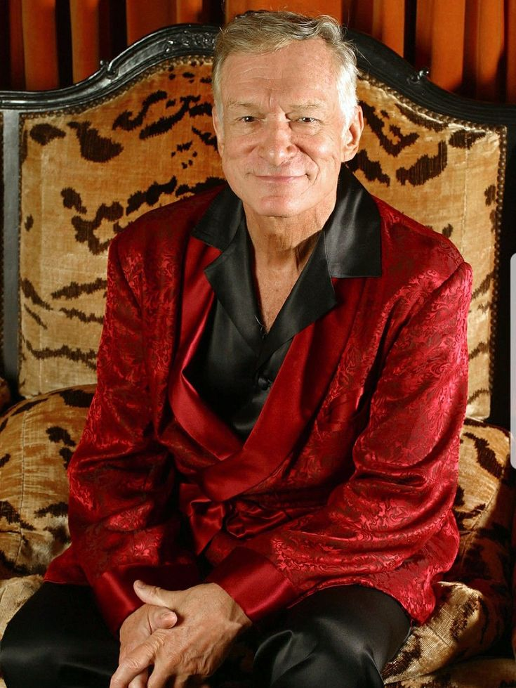 Hugh Hefner (1926-2017) Age 91Cardiac arrest,respiratory failure,sepsisand anE. coliinfection. Businessman, magazine publisher andplayboy. He was the founder ofPlayboy and editor-in-chief of the magazine, which he founded in 1953.He was also thechief creative officerofPlayboy Enterprises, which is the publishing group that operates the magazine. #HughHefner