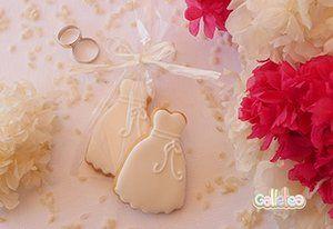 Galletas decoradas con glasa.Vestido de novia. Encuéntralo aquí.