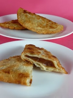 Fried apple pies... this looks the closest to my mama's recipe and I haven't had them since she last made them. I miss you, mama.Dry Apples, Sweets Treats, Fries Apples Pies, Fries Pies, Favorite Recipe, Sweets Tooth, Easiest Recipes, Cupcakes Once, Apple Pies