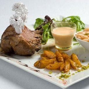Carré d'agneau des Pyrénées, haricots tabernais et velouté de potiron