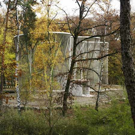 http://www.dezeen.com/2008/12/14/aviary-by-group-8-with-guscetti-tournier-structural-engineering/