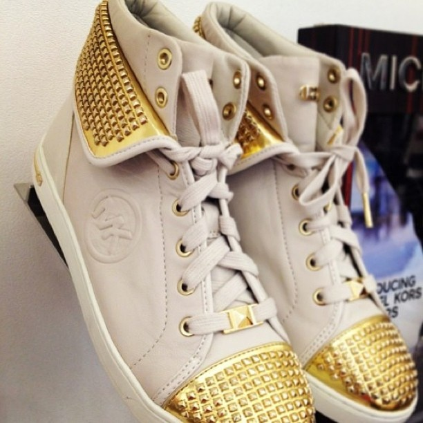 Micheal Kors Studded shoes #fashion #wannahaves #gadgets www.wannahaves.com