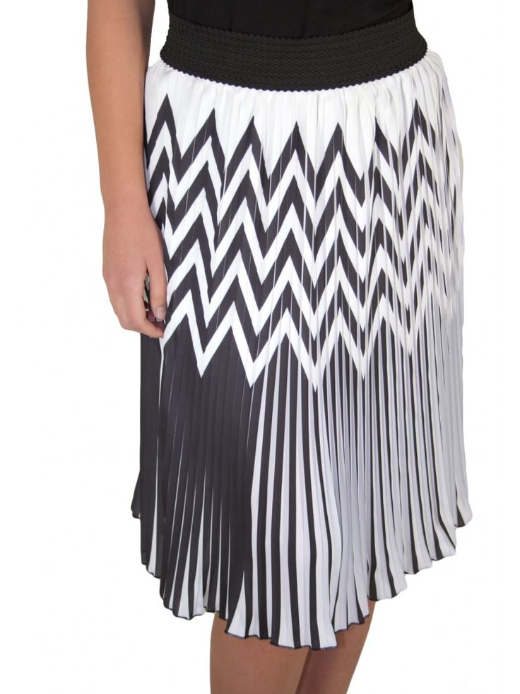 ZINO JORDAN Ασπρόμαυρη πλισέ φούστα, λάστιχο σούρα μέσης, μήκος κάτω από το γόνατο. 98,00 €