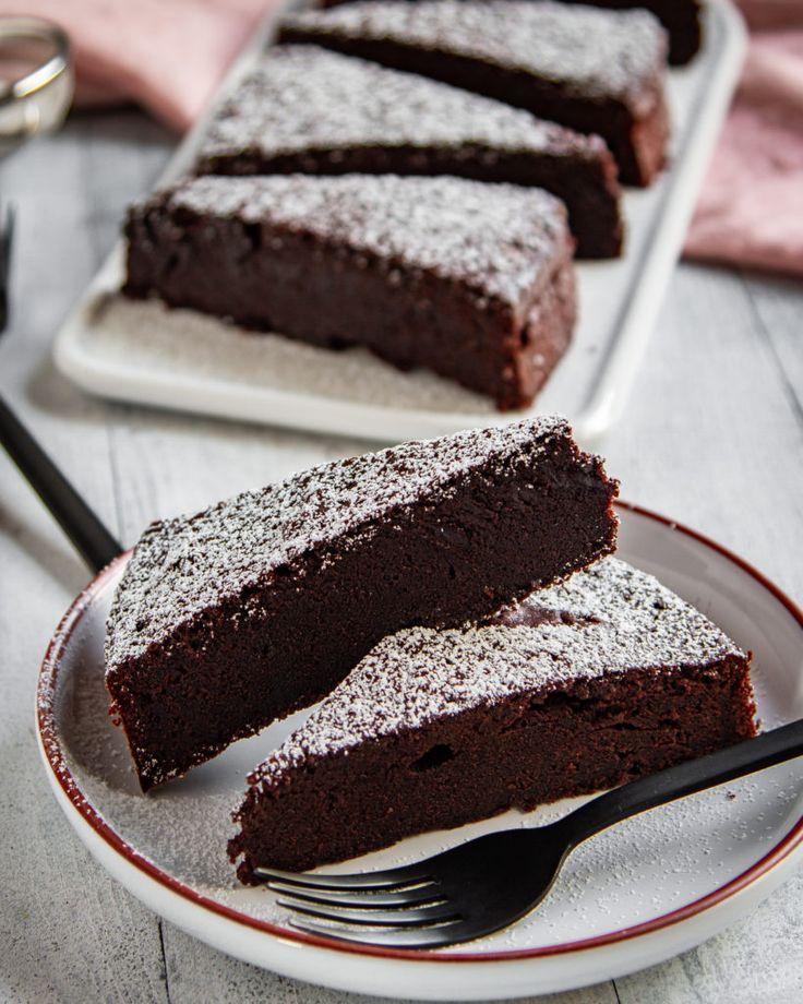Schwedischer Schokoladenkuchen (Chokladbak) – Tina…