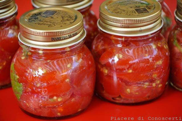 pomodori conserve a crudo