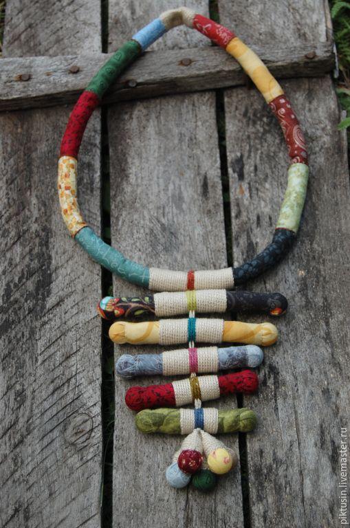 Купить В дороге - разноцветный, украшение, украшение на шею, текстильное колье, бусины, бусы