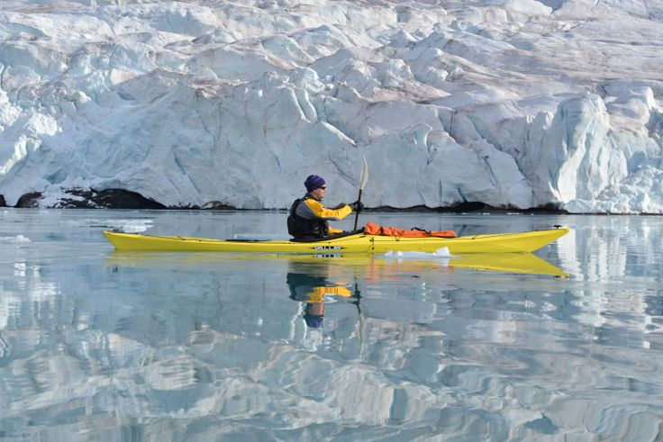 Kayaking at the glacier front. Photo by Kirsti Puro
