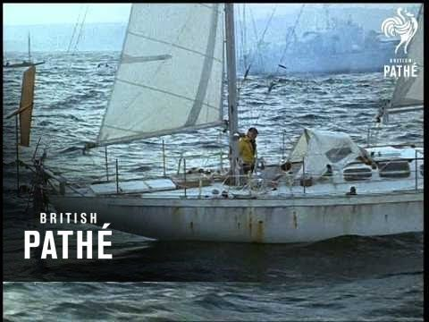 Sir Francis Chichester was knighted by the HM Queen Elizabeth II on this day 7th July, 1967. England's round the world yachtsman was knighted using a sword that had originally belonged to Sir Francis Drake. Chichester Arrival (1967) Click to watch