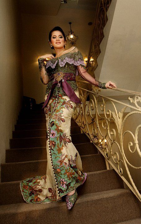 Trend kebaya Modern. BEAUTIFUL work especially at the bottom - inspiration