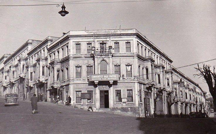 """Bir İstanbul hayali Twitter'da: """"Akaretler (1940'lı yıllar) #Besiktas #istanbul http://t.co/bBMapGagww"""""""