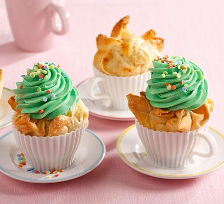 strudelteig cupcakes mit buntem topping f r das ausf hrliche rezept auf das bild klicken. Black Bedroom Furniture Sets. Home Design Ideas