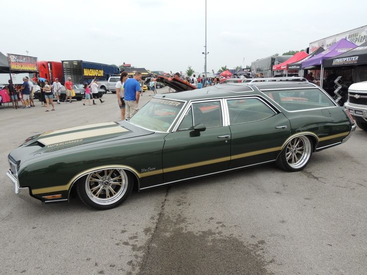 "longroofs: "" 1970 Oldsmobile Vista Cruiser with supercharged LS3 "" This is what we want for x-mas."