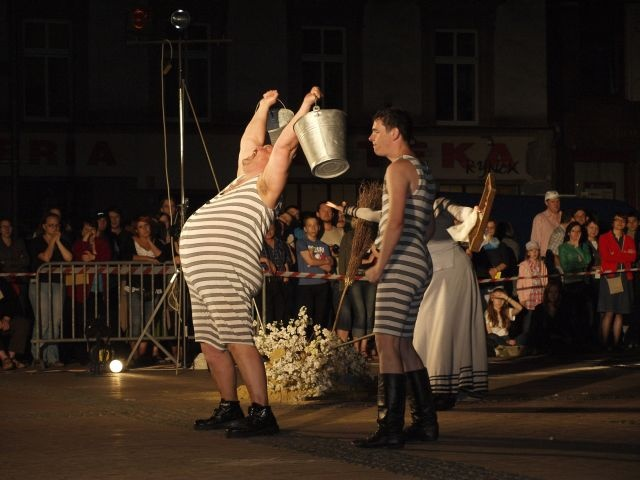 """Wiśniowy Sad"" / Lwowski Akademicki Teatr Woskresinnia"