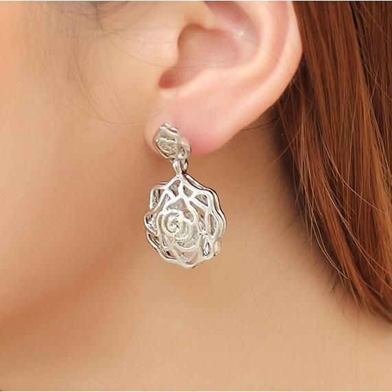 2016 Fashion jewelry golden flower earrings pierced earrings met Zircon Rose sliver stud earrings Wholesale Free shipping♦️ SMS - F A S H I O N 💢👉🏿 http://www.sms.hr/products/2016-fashion-jewelry-golden-flower-earrings-pierced-earrings-met-zircon-rose-sliver-stud-earrings-wholesale-free-shipping/ US $0.40    Folow @fashionbookface   Folow @salevenue   Folow @iphonealiexpress   ________________________________  @channingtatum @voguemagazine @shawnmendes @laudyacynthiabella @elliegoulding…