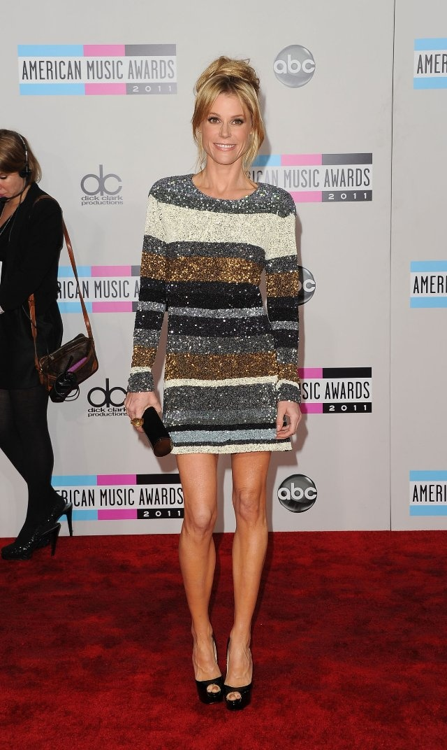 julie bowen has such a rockin bod. can i please look like this when I'm 40?