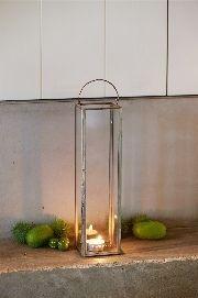 In de French Glass Collection deze stijlvolle, strak vormgegeven lantaarn gemaakt van glas in een koperkleurig frame. Geschikt voor een groot waxinelicht. Verkrijgbaar in verschillende maten.