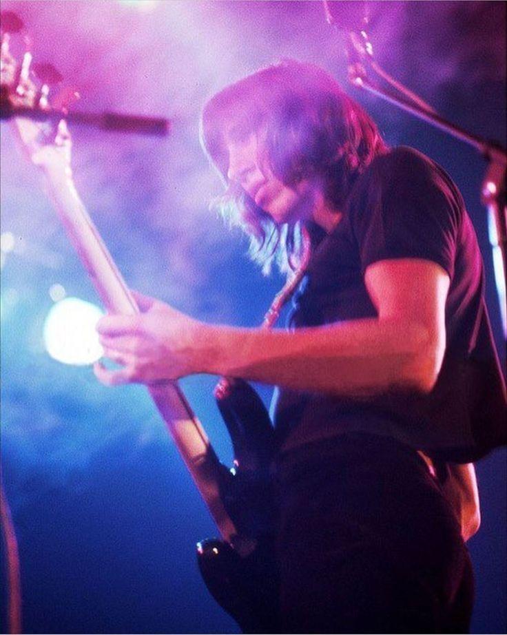 Roger Waters, Pink Floyd, 1975