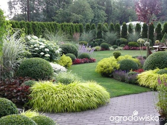 Beautiful Backyard Garden And Landscaping Design