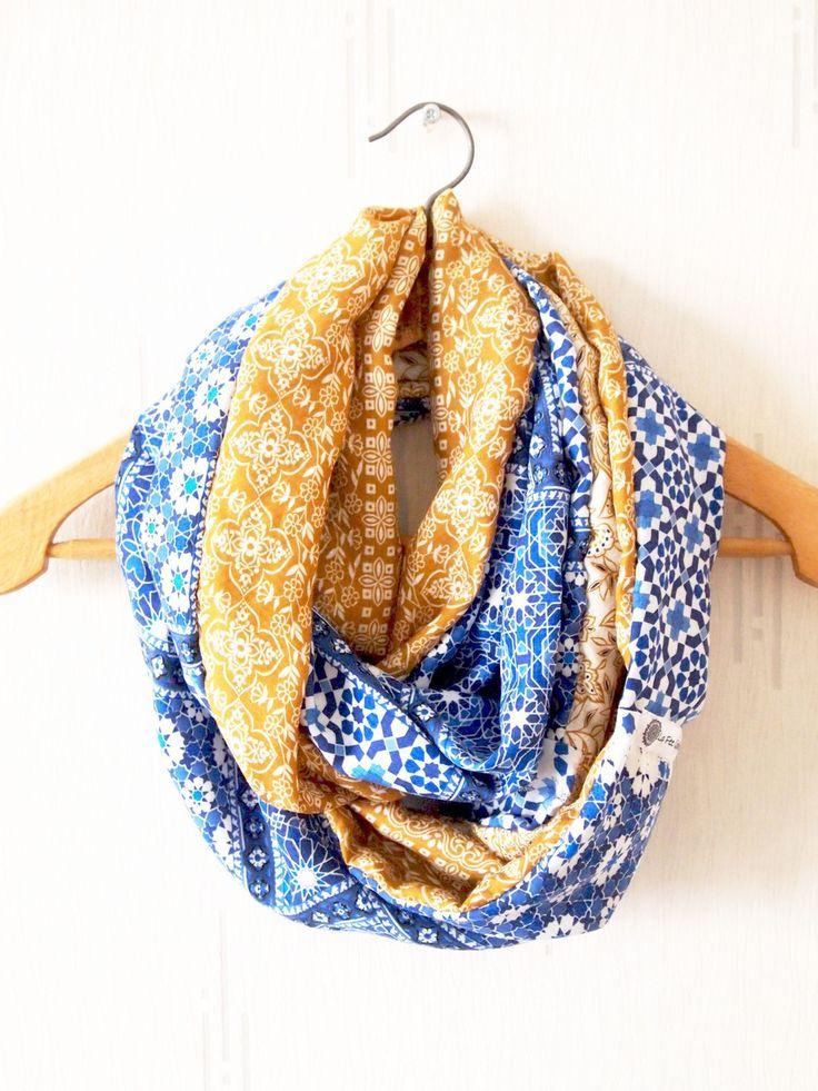 Snood double, mi-saison, motifs graphiques ethniques : Echarpe, foulard, cravate par la-fee-curiosites