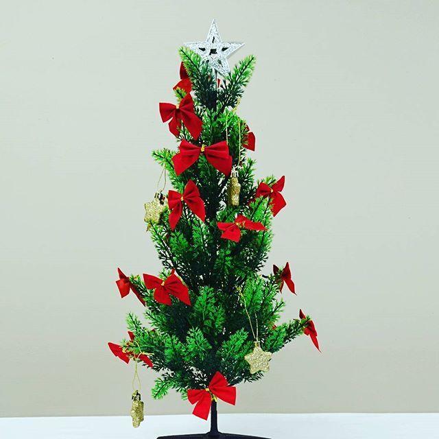 クリスマスまであと1ヶ月。ツリーを出しました。 #東亜和裁 #静岡 #クリスマスツリー #リボン🎀 #リボン