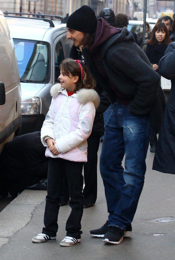 Zlatan Ibrahimovic out shopping In Milan ~ with fan. <3