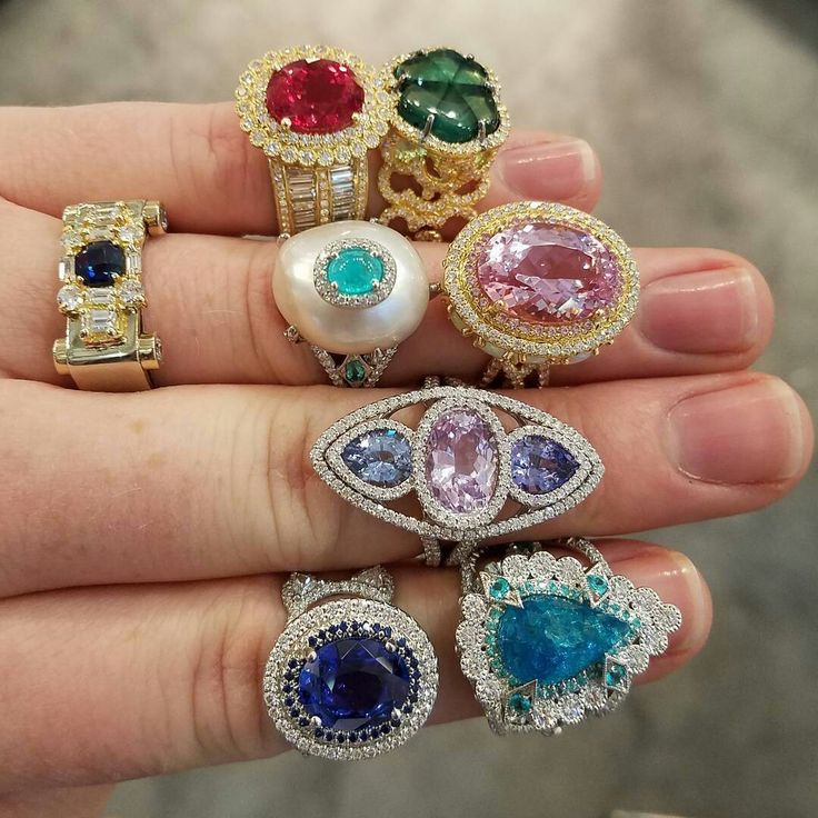 #agsconclave #tourmaline #rings #rings #3cgdoessocal #kunzite #3cgontheroad #spinel #jewels #paraiba #pearl #agtagemfair17 #sapphire #trapiche #pantone # #nofilter #thirdcoastgems #ericacourtney #3cgdoestucson # #ringsofinstagram #juicy #trending #dropdeadgorgeous #agtagemfair #paraibatourmaline #