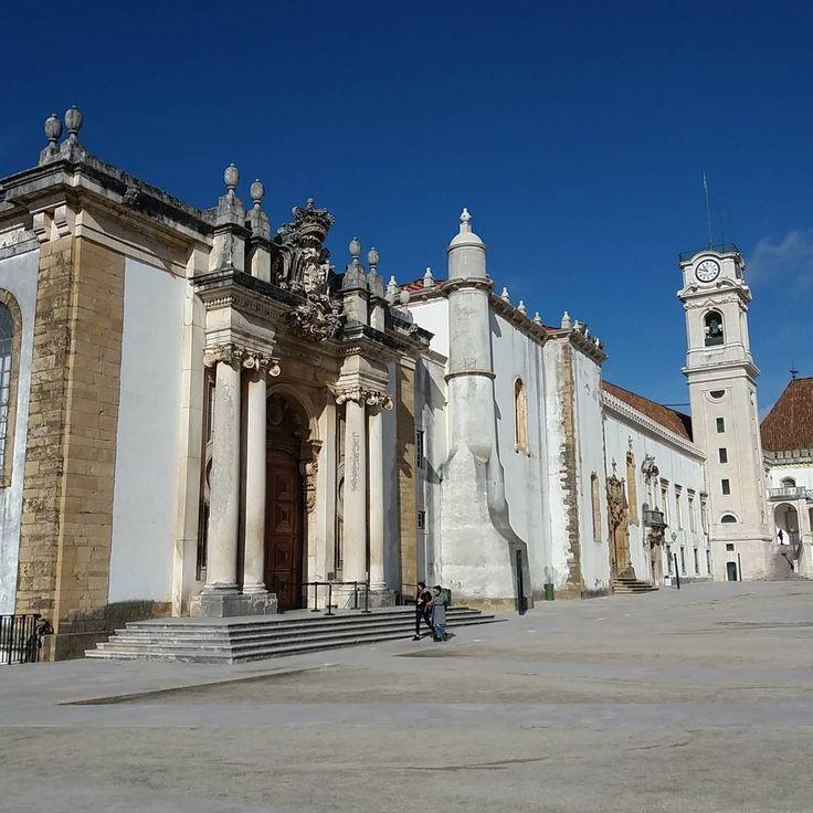 """24 Gostos, 2 Comentários - Bibiana Elena (@bibielena) no Instagram: """"Que coisa linda!!! #coimbra #biblioteca #portugal #trip #naestrada #adoro #"""""""